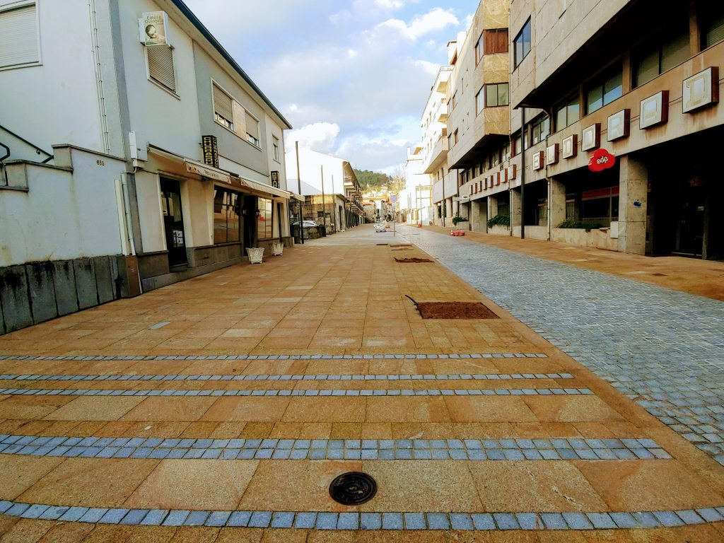 Obras na rua Rebelo de Carvalho