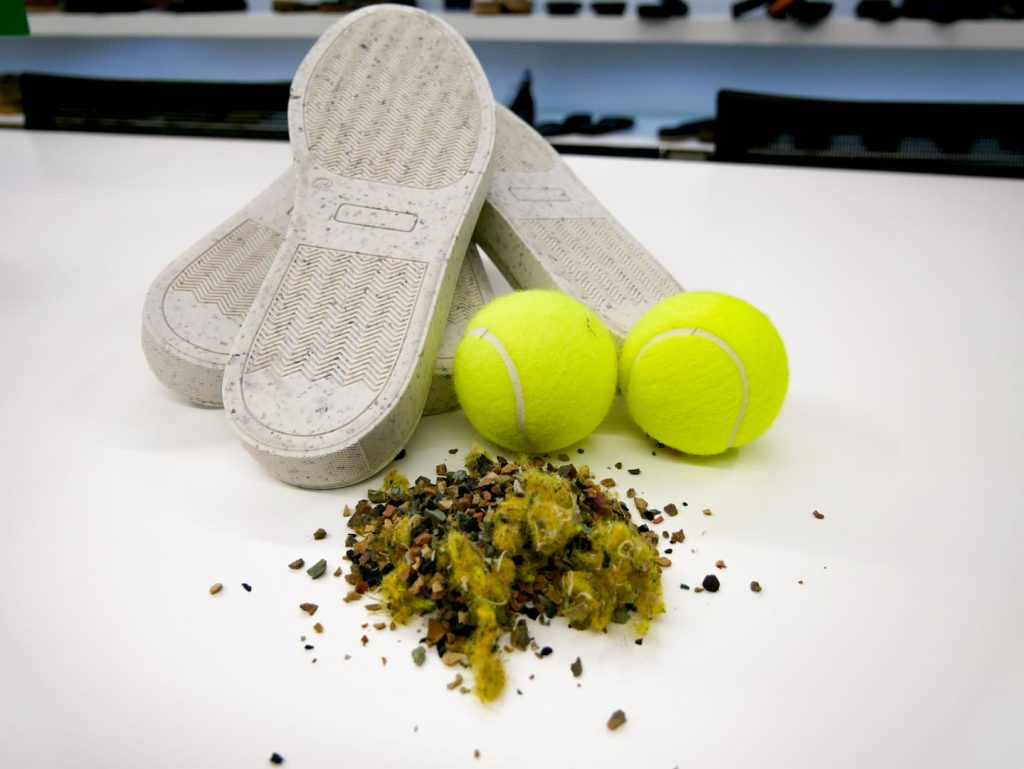 solas para calçado feitas a partir de bolas de ténis