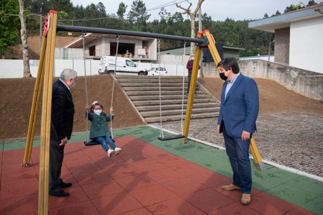 abertura oficial de 3 parques infantis